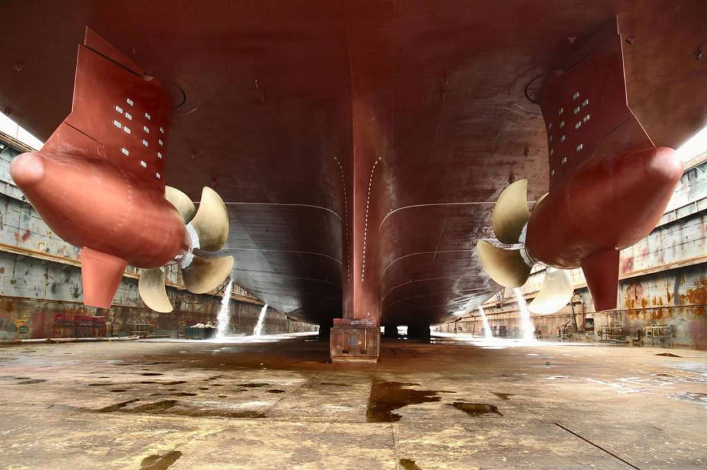 Dry dock inspection